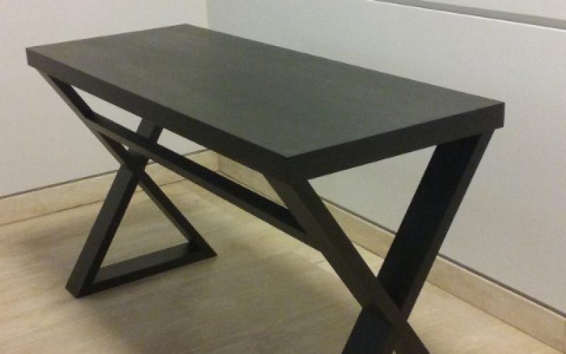 masīvkoka rakstāmgalds, koka galds, dizaina galds, galds darbistabai, galds